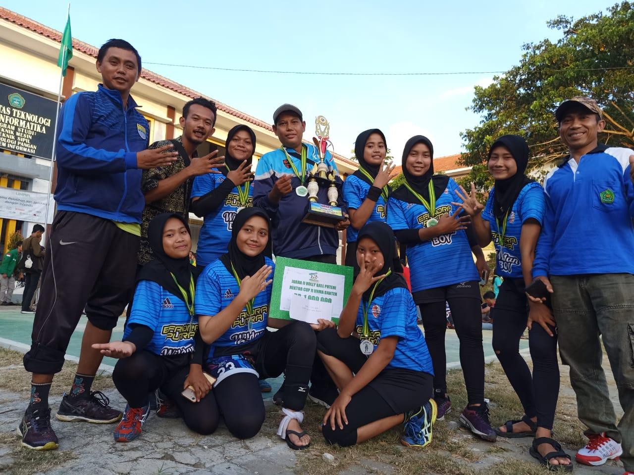 Tim Volley Ball Putri MAN 4 Pandeglang Juara Piala Rektor UNMA Banten 2020
